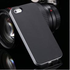 Серебристый бампер с черными накладками для iPhone 5/5S