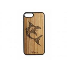 "Чехол для iPhone WoodBox из натурального дерева ""Maori Shark"""
